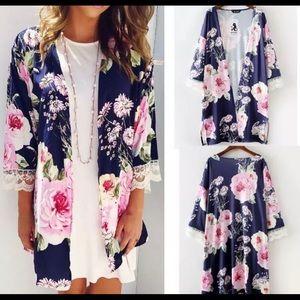 Tops - Floral kimono with lace cuff